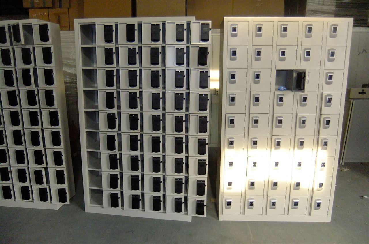 铁皮储物柜