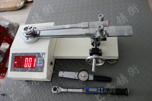 SGXJ扭力扳手检定仪检定预置扭力扳手案例图片